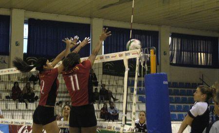 university of granada: 12012007 - granada, spain, women's volleyball match between the university of granada and the alentejo lugo monforte de lemos Editorial