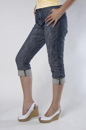piernas femeninas en zapatos  Foto de archivo - 7500137