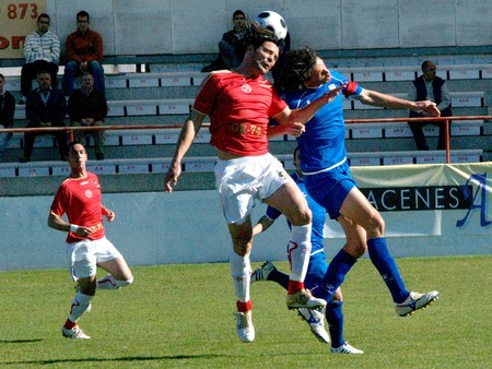 20081123-Spain-Granada - Football game between the Granada 74 and Linares in the city of Granada  Spain