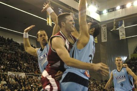 20090111- Granada-Spain-Party ACB Basketball League between CB Granada and Estudiantes Editorial