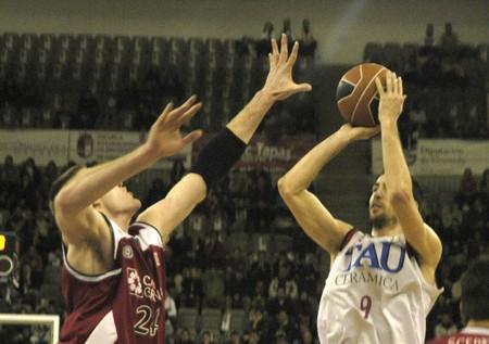 20090201- Granada-Spain-Party ACB Basketball League between CB Granada and Tau Vitoria Editorial