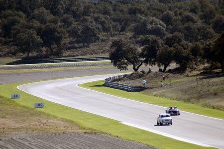carrera de autos clásicos en el circuito de la ciudad de Ronda, Málaga
