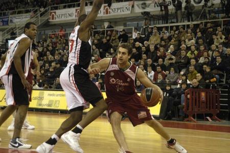 Juego de baloncesto de 2010/01/10-Granada - España - entre la Granada y Murcia Foto de archivo - 8448969