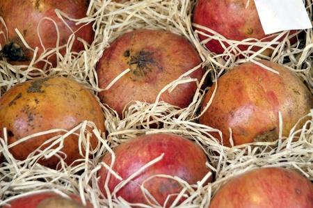 greengrocer: granadas en la fruter�a