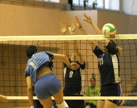 deportes olimpicos: 20050222 - Granada - Espa�a - partido de Voleibol femenino entre Granada y Lugo