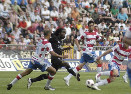 warning fans: football match between the second division granada and cartagena cf 02042011