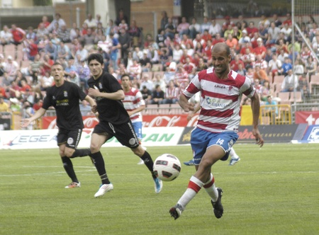 infractions: football match between the second division granada and cartagena cf 02042011