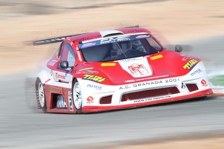 motor race: Enrique cirre met cm met het wapen van Granada CF 27032011