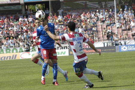 horizontal gamefans: football match between granada cf numancia 16.04.2011