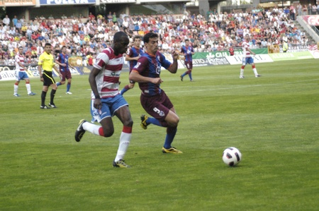 umpiring: football match between granada and huesca cf 12052011