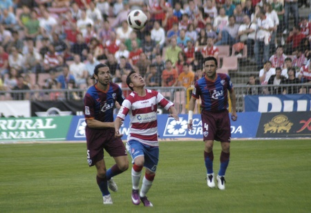 horizontal gamefans: football match between granada and huesca cf 12052011