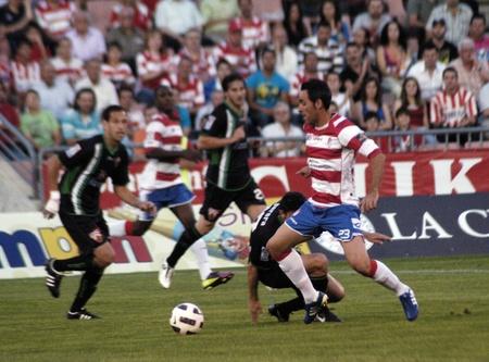 horizontal gamefans: football game between the granada and elche cf 29052011 Editorial