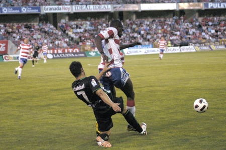 umpiring: football match between granada and elche cf 29052011