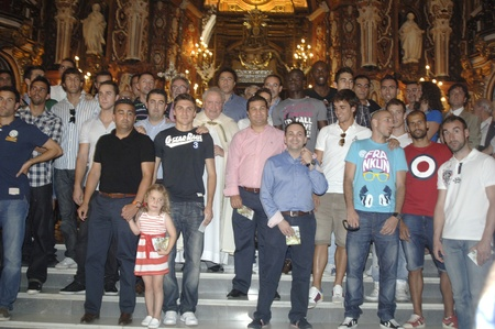 bigotry: offering to the virgin of sorrows in celebracin in granada after the final for promotion to first division, 20062011