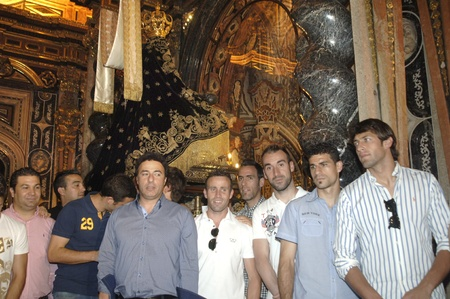 offering to the virgin of sorrows in celebracin in granada after the final for promotion to first division, 20062011