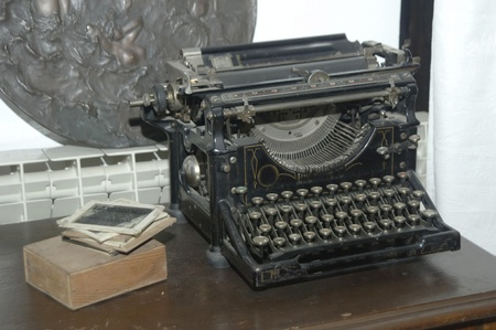old typewriter Stock Photo - 10873745