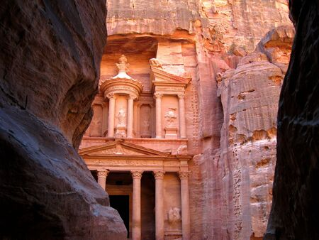 khazneh: End of the Siq, with its dramatic view of Al Khazneh, the Treasury, in Petra, jordan