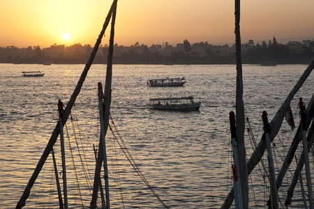 Sunset over River Nile, Luxor, Egypt 版權商用圖片