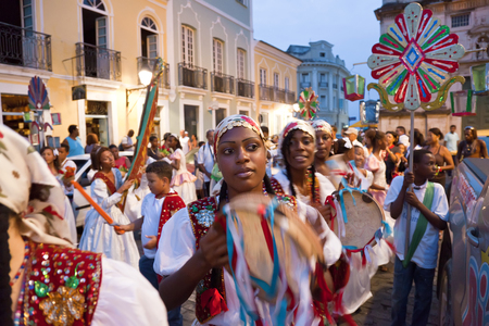 Bahia, Brazil - December, 2011: Christmas procession and carnival, Pelourinho, Salvador 版權商用圖片 - 83053221