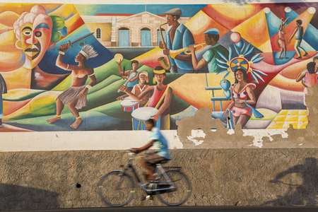 Sao Vicente, Cape Verde - March, 2013: Mural celebrating culture of Cape Verde, Mindelo, 版權商用圖片 - 83053228