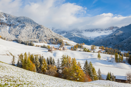 Winter snow; St. Magdalena village; Geisler Spitzen (3060m); Val di Funes; Dolomites mountains; Trentino-Alto Adige; South Tirol; Italy Stock Photo