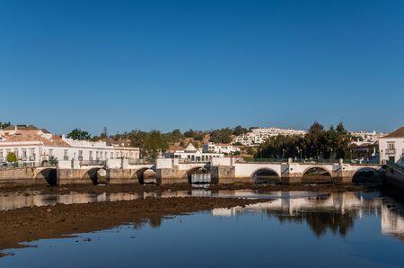 Roman Bridge over the River Gilao in Tavira, Eastern Algarve, Portugal 版權商用圖片