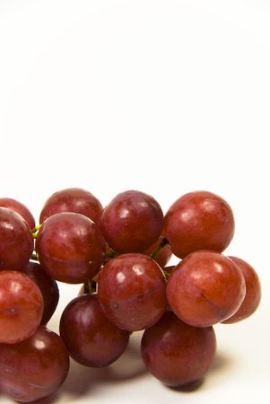 grote tros van rijpe rode sappige pitloze druiven