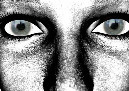 donker groen staren ogen met zwarte wimpers