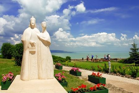 Statue of  Hungarian kings on Tihany abbey with balaton lake background - Balaton - Hungary