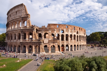 constantino: Colosseo view from Roman forum at Rome - Italy
