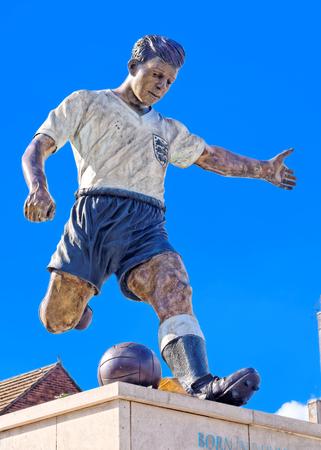 babes: DUDLEY, OCTOBER 02: Duncan Edwards Statue, Dudley Town Centre, UK 2016.