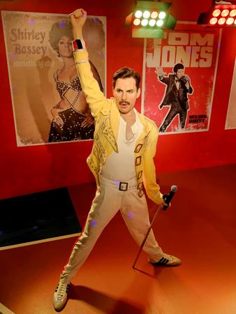 BLACKPOOL, 14 DE ENERO: Madame Tussauds, Reino Unido 2018. Estatua de cera de Freddie Mercury, mejor conocido como el vocalista principal de la banda de rock Queen.