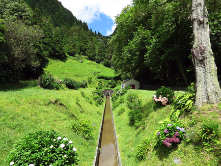 Tunnel for water level stability