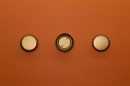 Template of metallic bottle cap for beverage industry projects or food and drink topics. 免版税图像