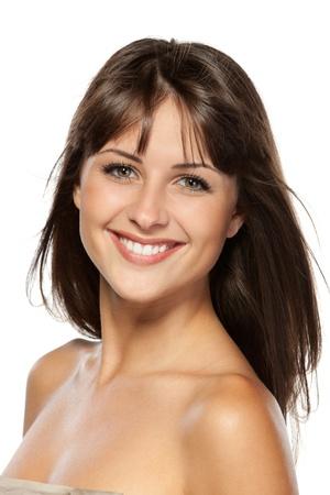 modelos desnudas: Closeup retrato de mujer hermosa, aisladas sobre fondo blanco Foto de archivo