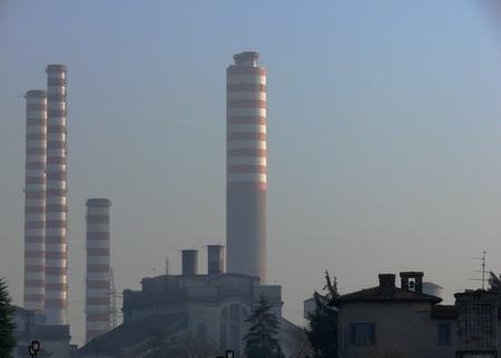 Industry chimneys. Standard-Bild - 122618552