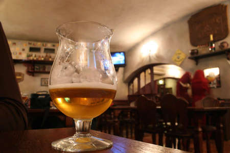 glass with beer in bar Stock Photo - 906330