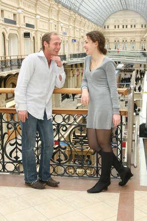 통로: couple in shop passage 스톡 사진