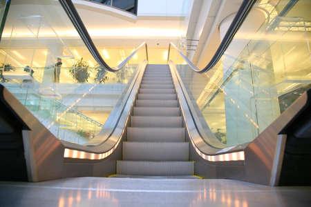 go shopping: escalator