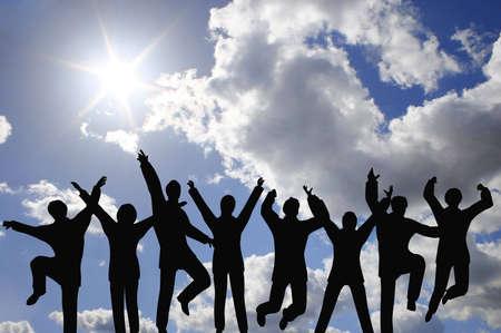 jovenes empresarios: businessteam �xito en el cielo  Foto de archivo