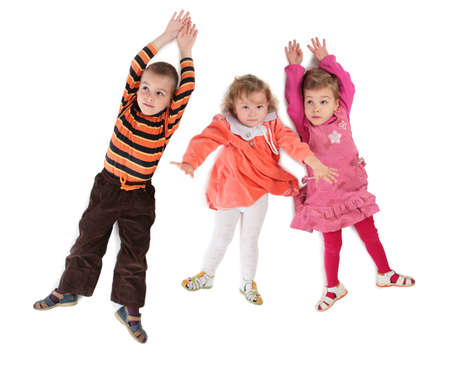 trois enfants: Trois enfants situ�e vue d'en haut Banque d'images