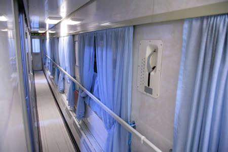 passageway: train interior - empty passageway