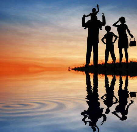 shoulder bag: family silhouette on sunset sky. water