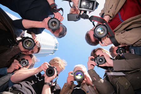 teaming: photographers on object
