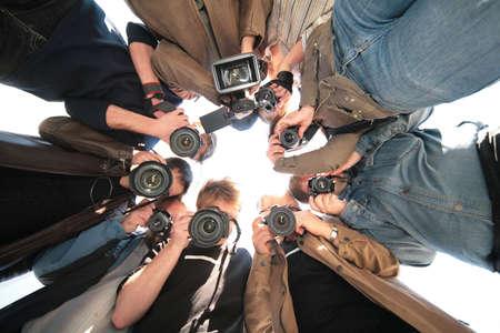 paparazzi on object photo
