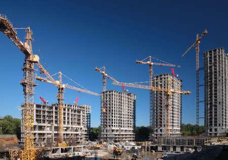 the job site: Sotto le case di costruzione