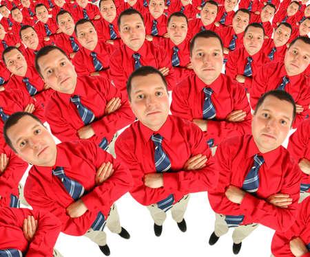 mains crois�es: Homme d'affaires en chemise rouge avec les mains crois�es collage de demi-cercle Banque d'images