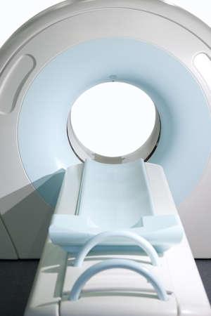 resonancia magnetica: CAT completo sistema de escaneado en un entorno hospitalario. Exploración por resonancia magnética de imágenes.
