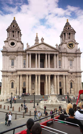 St. Pauls Cathedral in London. Cathedral was designed by court architect Christopher Wren. view from the Bus