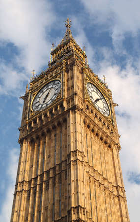 english famous: Big Ben is famous English clock chimes in Gothic style in London. Big Ben is one of Londons best-known landmarks